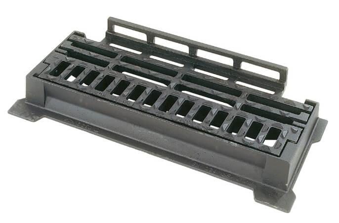 Wpusty krawężnikowe z uchylną pokrywą i rusztem SELECTA® z żeliwa sferoidalnego