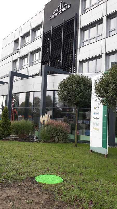 Montaż zielonych (RAL 6018) włazów PAMREX Saint-Gobain PAM w Gliwicach